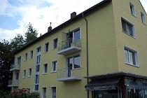Vollständig renovierte 2 Zimmer mit Balkon und offener Küche in saniertem Gebäude