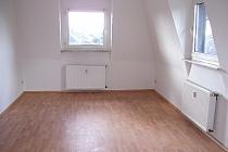 Vollständig renovierte 2,5 Raum- Wohnung