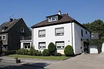 Perfektes Mehrgenerationenhaus in ruhigster Lage mit großem Garten, Dachterrassen und Sauna in Horst