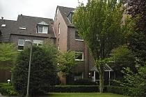 Außergewöhnliche 4,5 Zimmer-Wohnung über 2 Ebenen mit Balkon + Terrasse in Top-Lage von Buer-Mitte.