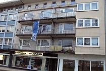 Sehr schöne, teilrenovierte 2,5- Zimmer-Wohnung mit Balkon und Loggia in zentraler Lage von Buer