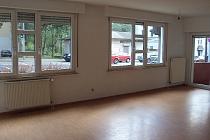Große 3,5-Zimmer-Erdgeschosswohung in gutem Zustand mit Balkon