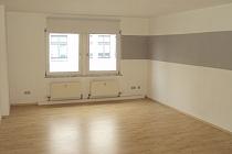 Sehr helle und großzügig geschnittene 2,5 Raum Wohnung mit EBK, Zentral gelegen!
