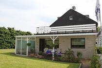 Zwei Terrassen, toller Garten und Südausrichtung: Zweifamilienhaus in guter Lage von Buer