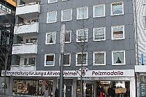 PROVISIONSFREI - Mitten drin und dennoch ruhig gelegen: 3,5 Zimmer mit Aufzug und Balkon