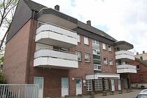Buer - Mitte: Renovierte, großzügig geschnittene 2,5 Raum-Wohnung mit zwei Balkonen und Tiefgarage