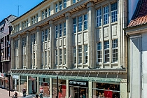 Mitten in der Fußgängerzone: Repräsentative,großzügige Bürofläche in denkmalgeschützem Geschäftshaus