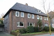 BUER - MITTE: Großzügige Doppelhaushälfte mit Kamin, Wintergarten, Garten und Garage in Bestlage