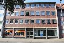 Repräsentatives, geräumiges Ladenlokal mit großer Schaufensterfront und drei Stellplätzen in Buer