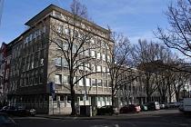 Attraktives Gebäudeensemble unmittelbar neben dem Hans-Sachs-Haus (Rathaus) mit starker Rendite