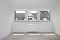 Erstbezug nach Sanierung: Super schöne 5,5  Zimmer Wohnung im Dachgeschoss zu vermieten!