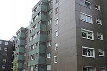 Wohnen in ruhiger Lage von Buer: Modernisierte 2,5 Etagenwohnung mit Balkon, Aufzug und neuem Bad