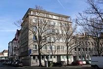 Neue Mieter gesucht: Bezugsfertige, geräumige 3,5 - Raum - Etagenwohnung mit Balkon und Aufzug