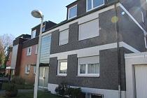 Ruhig gelegene, charmante 3,5-Raum-Etagenwohnung mit neuem Bad und Balkon und Garage in Bismarck