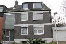 Studenten und Singles aufgepasst: Günstige 1-Raum-Dachgeschosswohnung in Bismarck mit Einbauküche