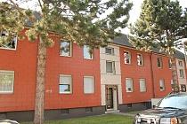 Für Singles: 1.5-Raum-Etagenwohnung in guter Lage von Buer mit Einbauküche und Gemeinschaftsgarten