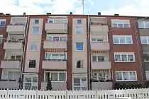 Wohnen gegenüber der Rungenberghalde: Komplett sanierte 2,5-Raum Wohnung mit Balkon und neuem Bad