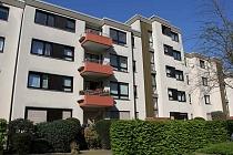 Effizient geschnittene 2,5 Raum-Etagenwohnung mit Balkon, Einbauküche und neuem Bad in Schalke
