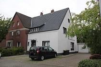 Erstklassige Lage von Buer: Wertige 3,5 Raum - Maisonette mit großem Balkon, Stellplatz und Garage