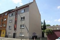 Preiswertes, renditestarkes Mehrfamilienhaus mit einer Garage und Balkonen in Feldmark