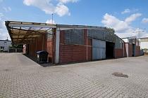 Gewerbekomplex mit zwei ca. 1360 m² großen Lagerhallen und ca. 2000 m² Freifläche in GE-Resse
