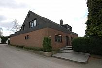 3.356 m² großes Grundstück mit einem Zweifamilienhaus, 4 Hallen, 11 Garagen, Stellplätzen in Herten